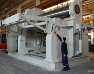 Rouleuse-croqueuse hydraulique AKYAPAK